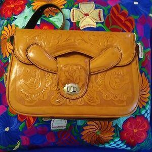 *Vintage* tooled leather handbag